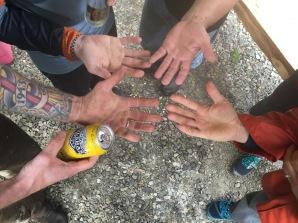 Many dirty hands make light work...